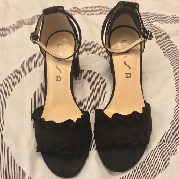 "6c00c4fbb69 Unisa Shoes - EUC 7 Unisa - 3"" high Black Sandal"